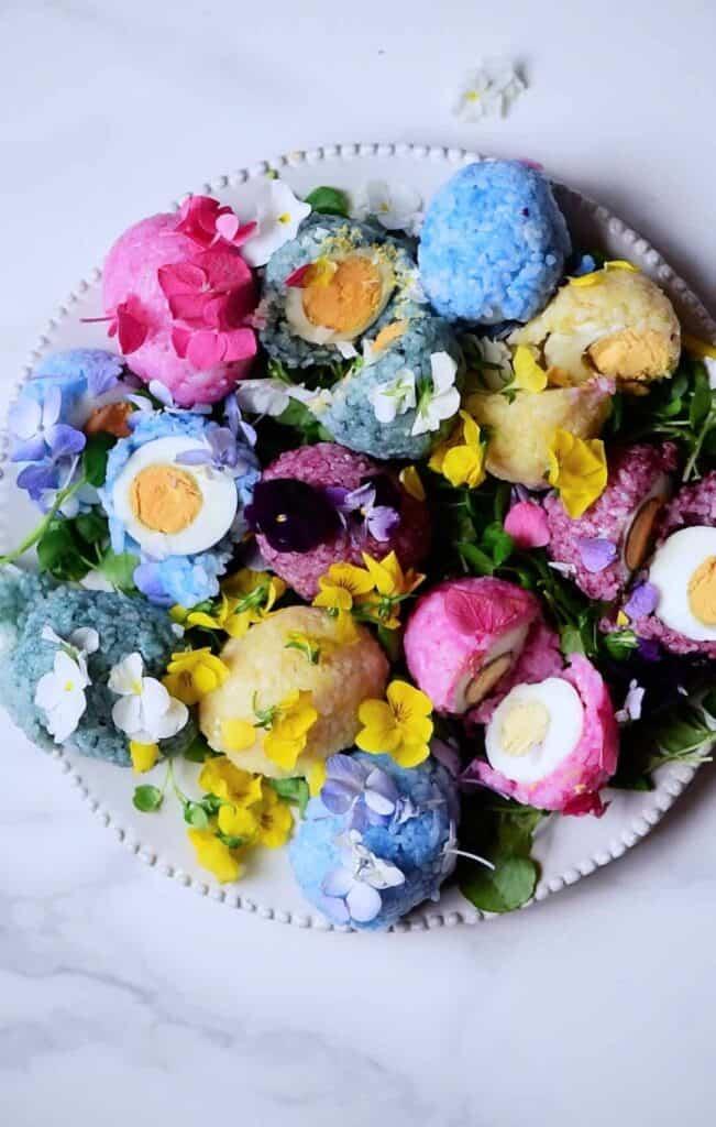 Rainbow rice sushi eggs - onigiri