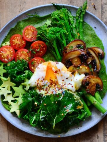 Protein green pancake topped with veggies and egg