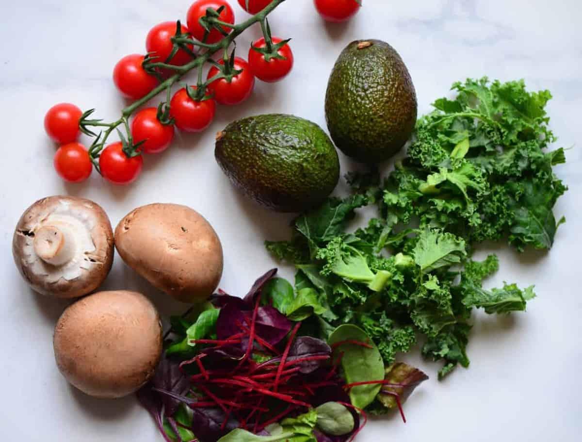 Veggies to top protein green pancake