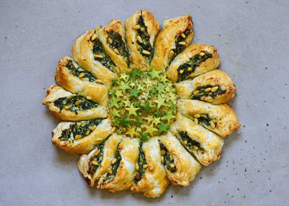Spinach ricotta pie pastry tarte soleil with cheese