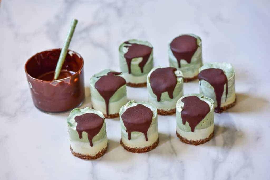 Raw vegan cheesecakes recipe - mint, spirulina and lime plus raspberry, rose and earl grey tea