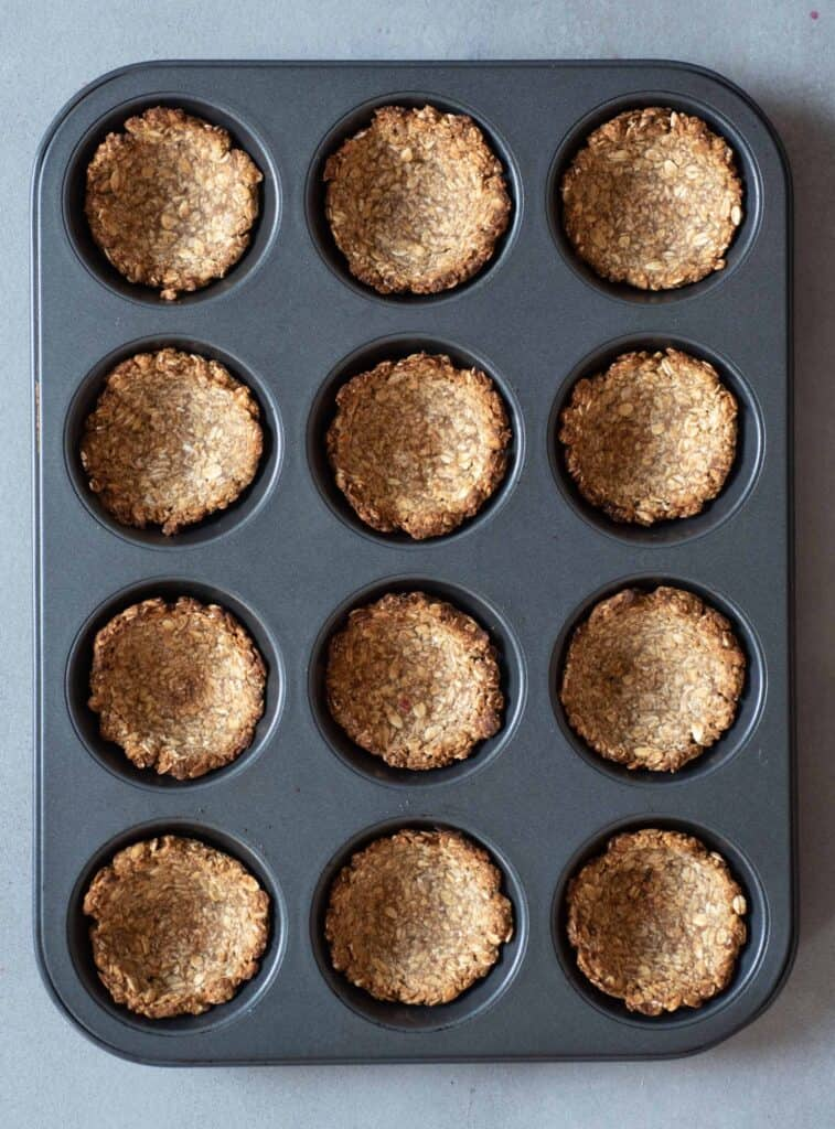 baked granola cups
