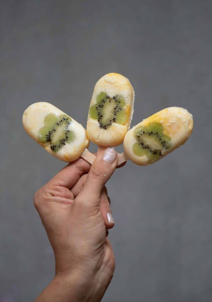 ice lollies with kiwi