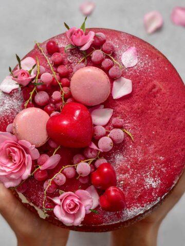 red velvet cream cheese frosting cake