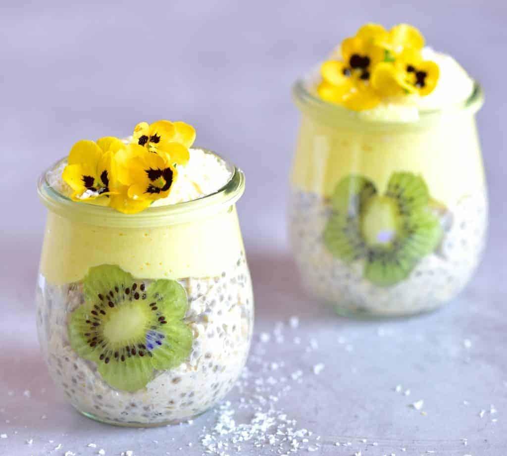 mango Overnight oats with kiwi-mango yogurt