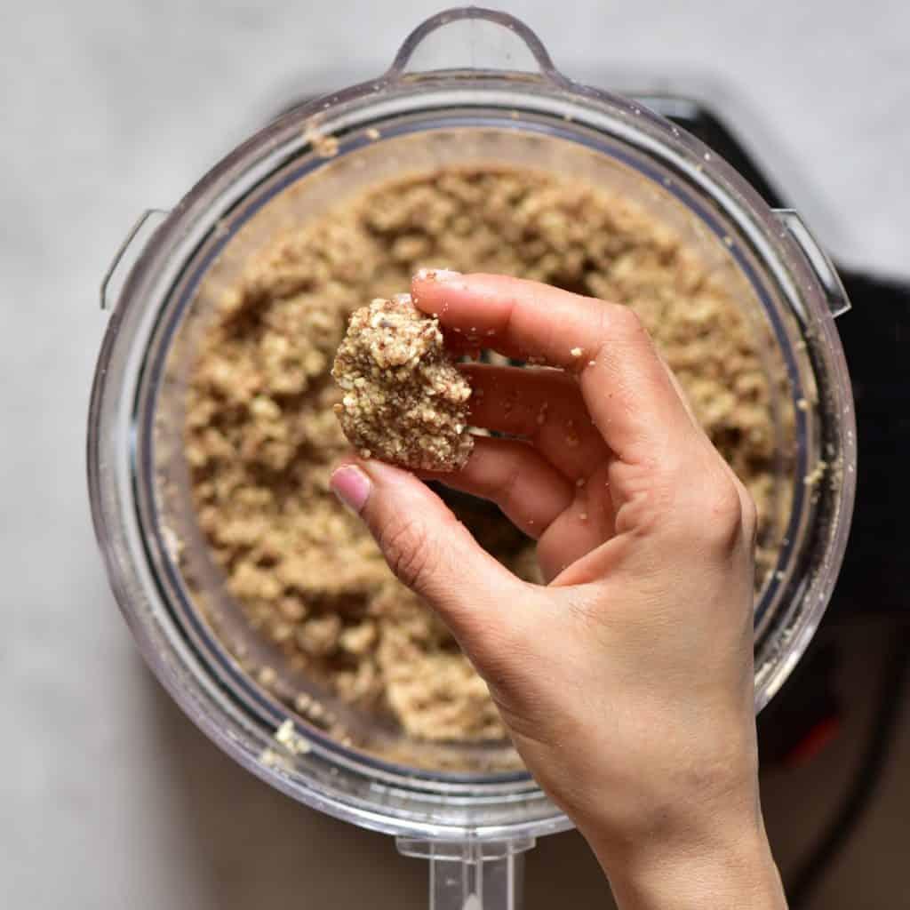 Crust for mini vegan tarts