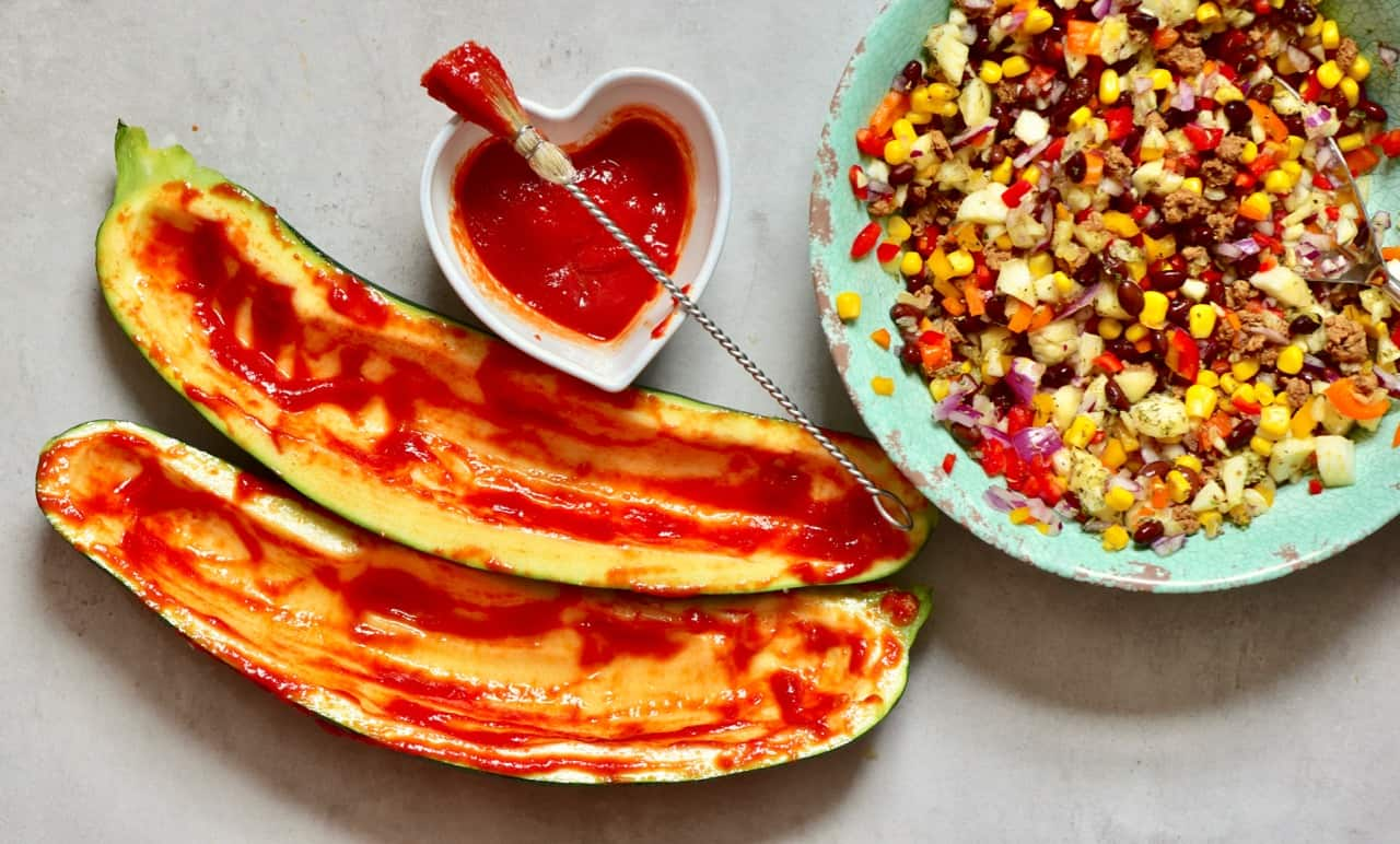 These healthy rainbow zucchini Boats are great for a nutritious, delicious filling vegetarian lunch/dinner. With a bean, corn, onion & veggie mince filling.