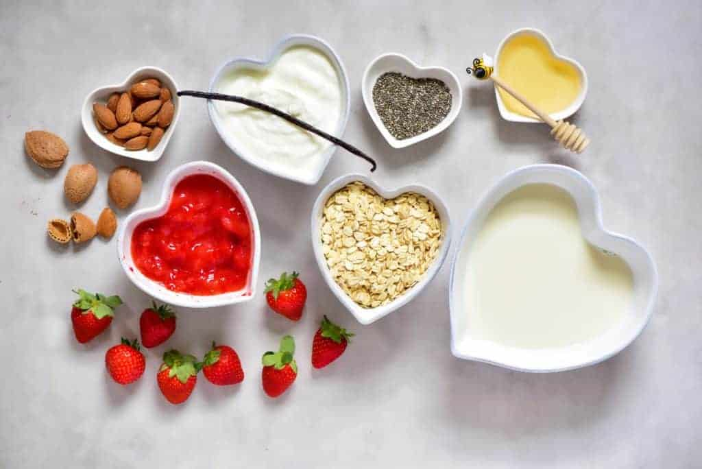 healthy dessert inspired strawberry cheesecake overnight oats ingredients