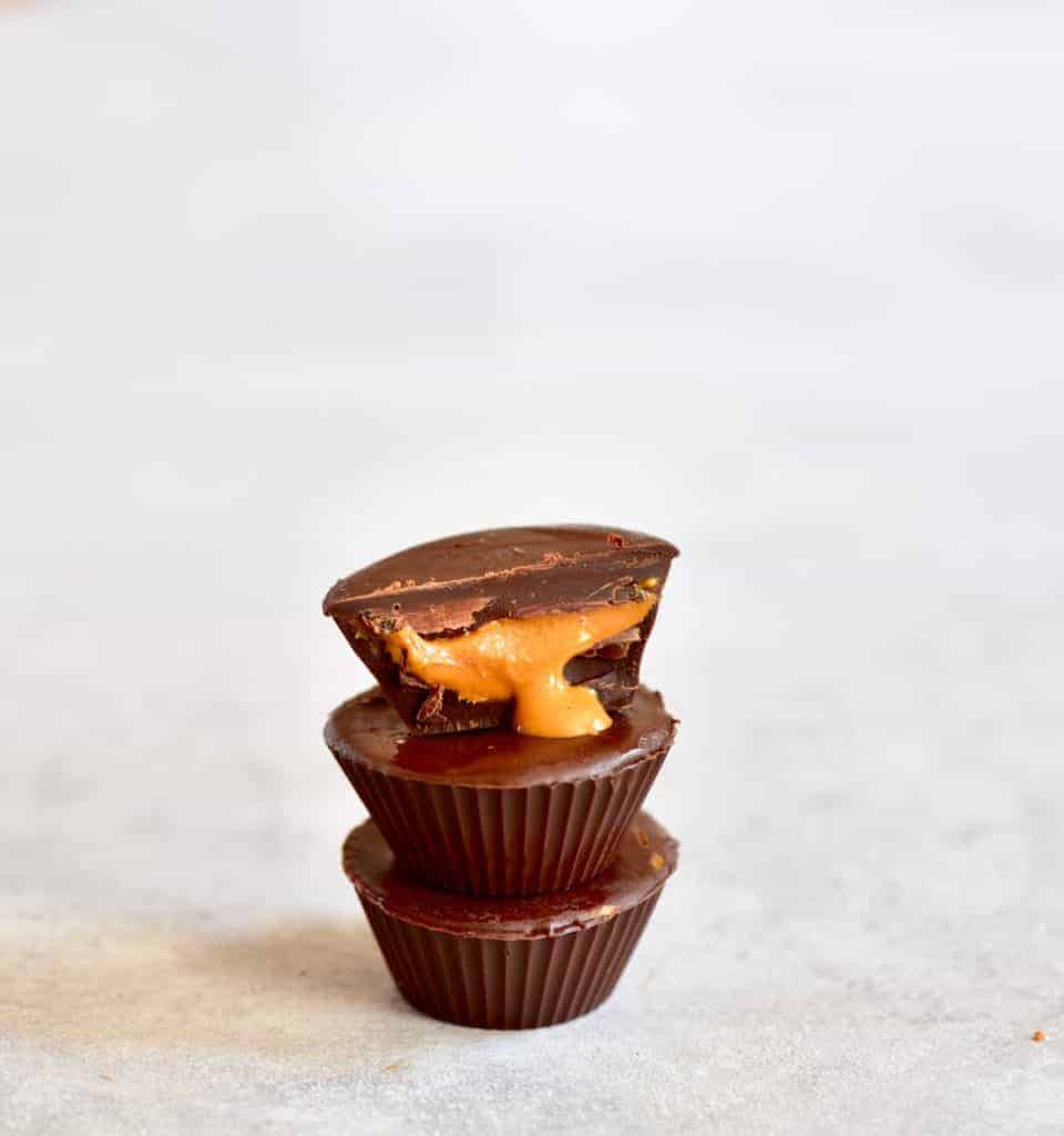 6 Ingredient Healthier Vegan Chocolate Peanut Butter Cups