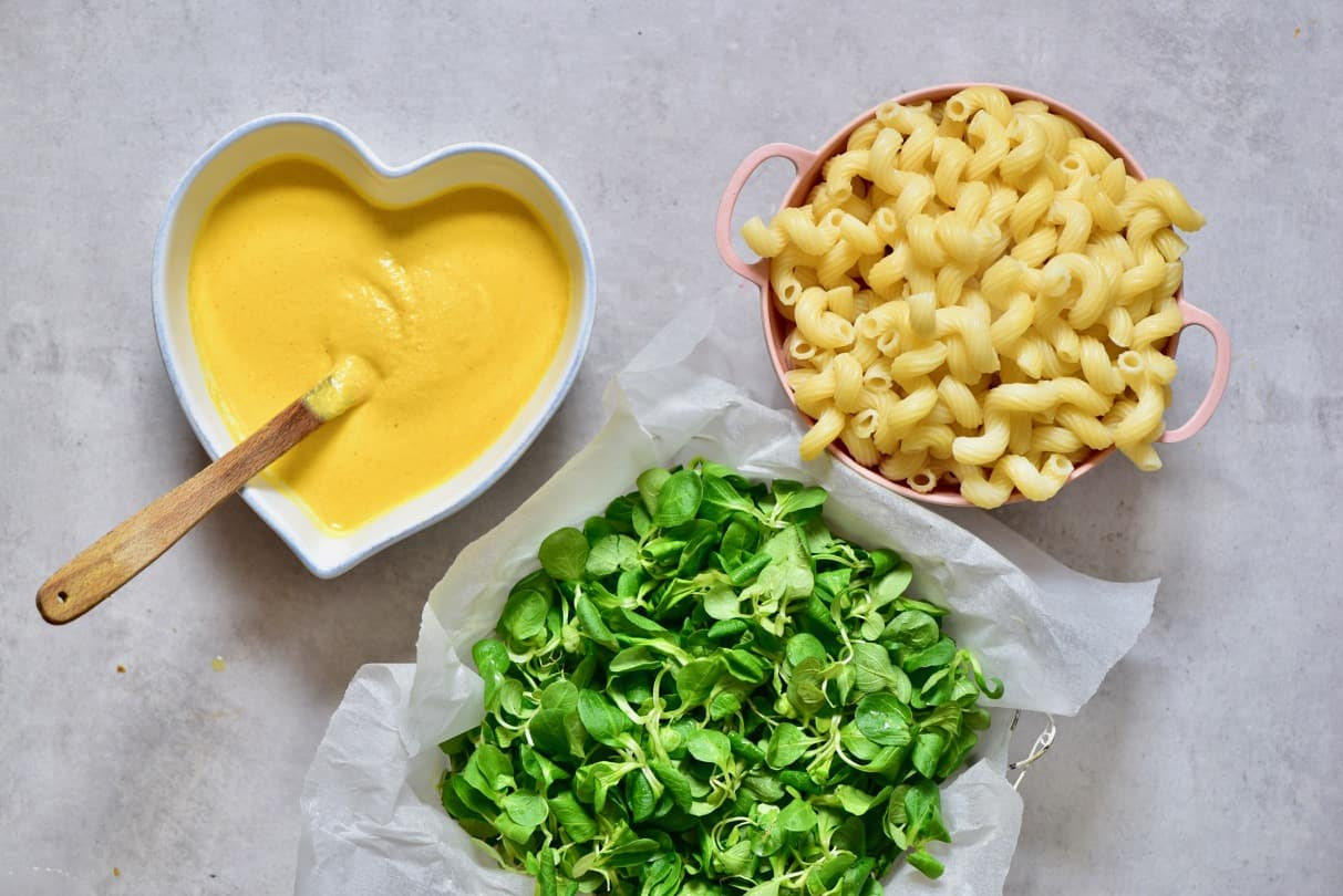 creamy vegan mac & cheese with delicious butternut squash vegan cheese sauce