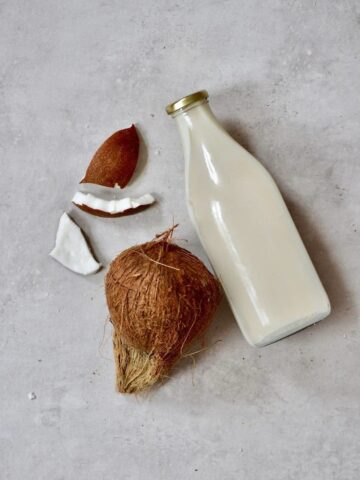 how-to DIY homemade coconut milk. dairy-free, 15 minute, two-ingredient