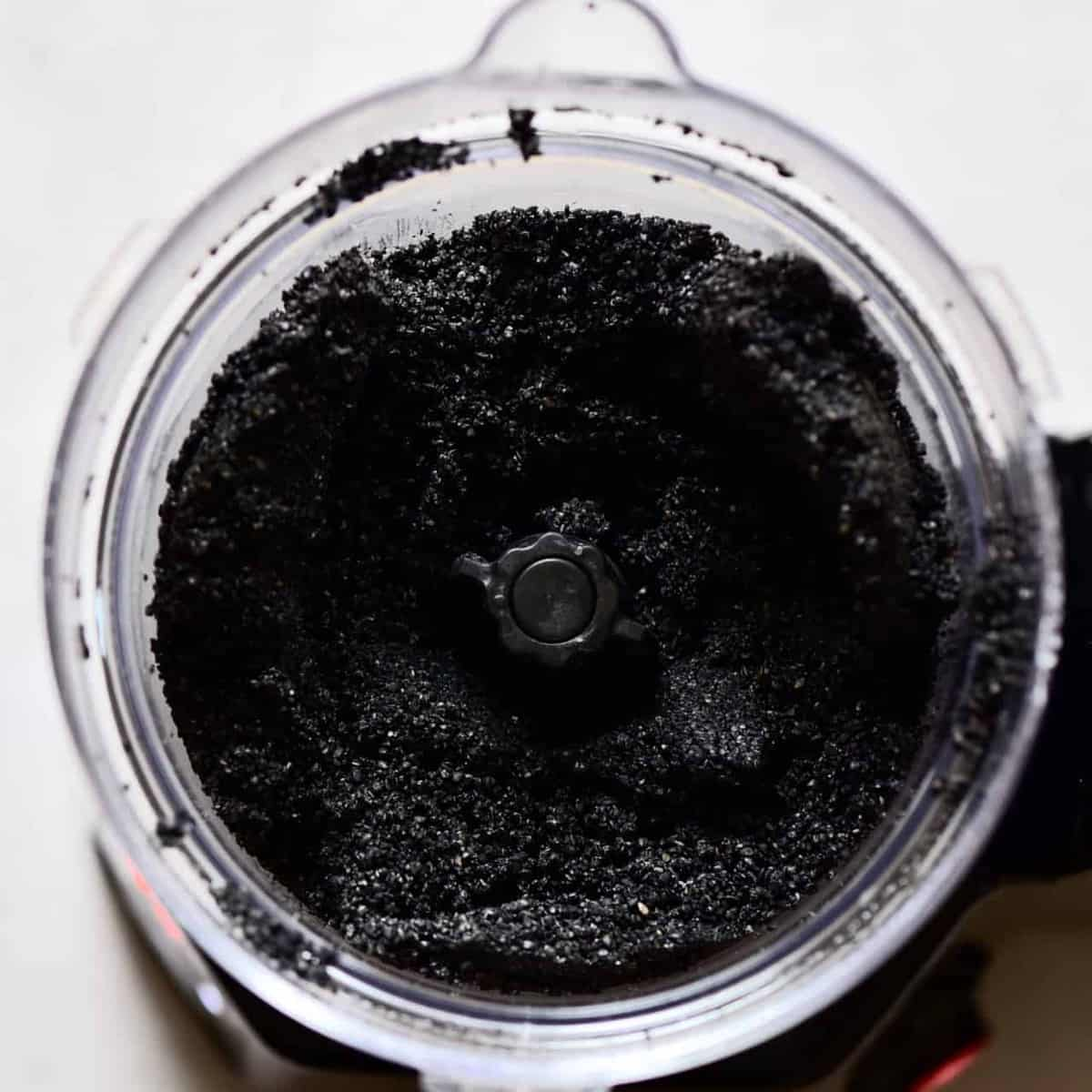 grinding black sesame seeds in food processor