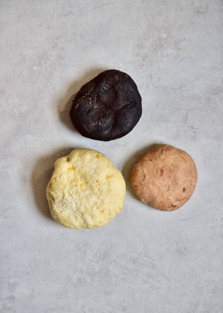 3 colored dough