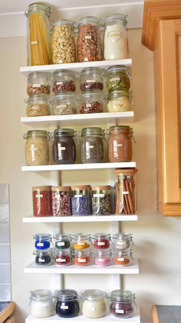 food storage hacks. how to organise your pantry. plastic-free