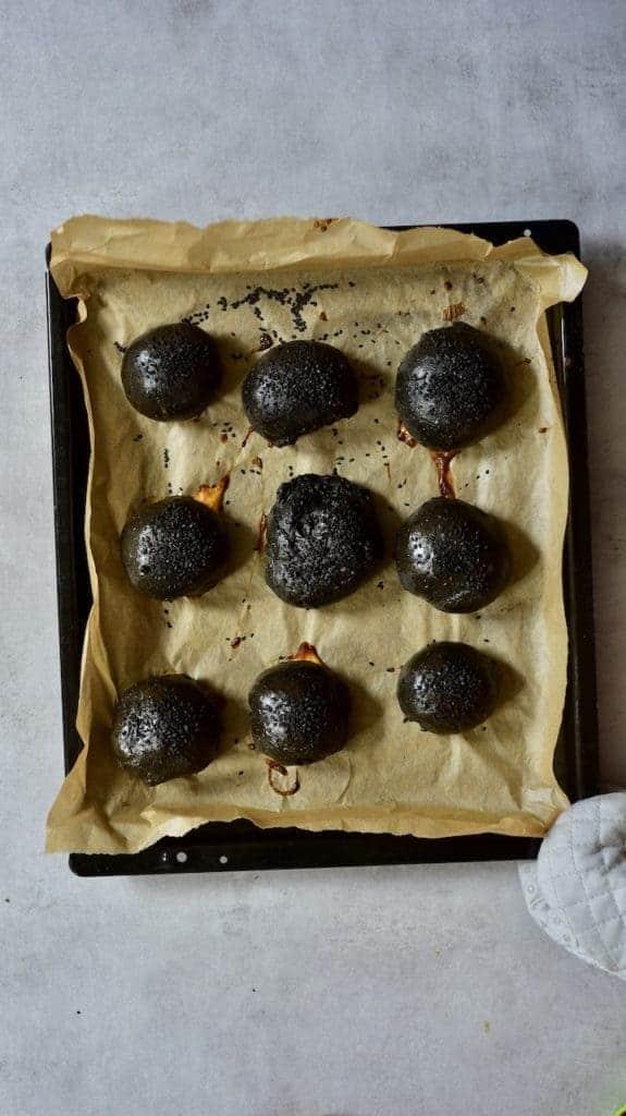 oven baked black burger buns