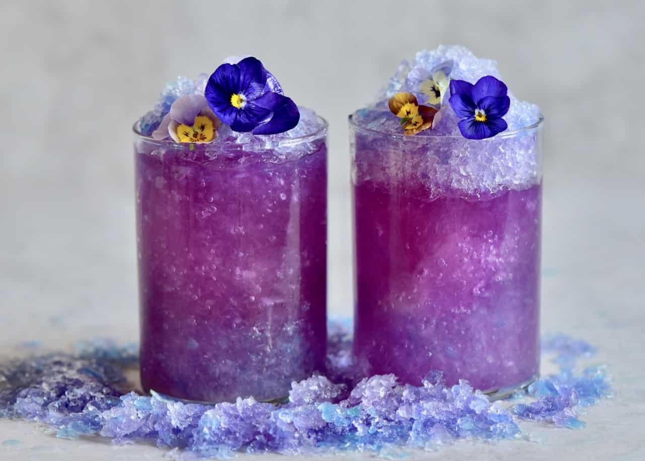 magic colour changing lemonade with blue pea flower tea. simple, less than 10 ingredients, natural colourant. no artificial colours.