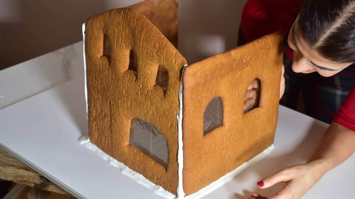 how to make a gingerbread house at home with a homemade template