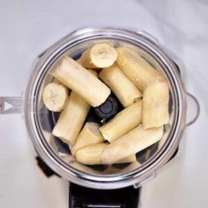 blending bananas to make a delicious nicecream recipe
