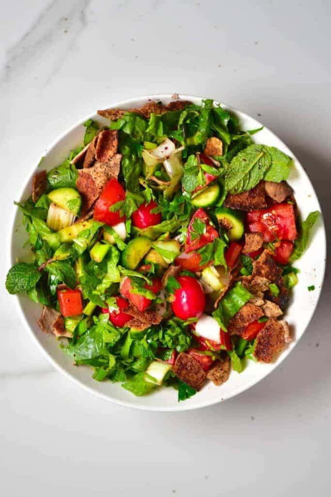 Simple Traditional Lebanese Fattoush Salad