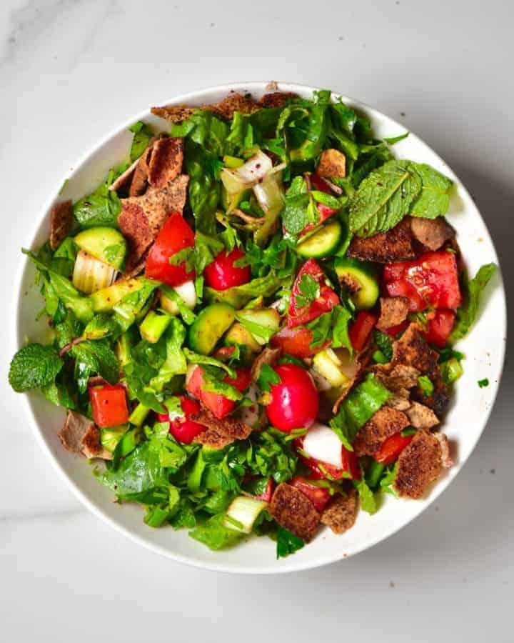 Simple Traditional Lebanese Fattoush Salad
