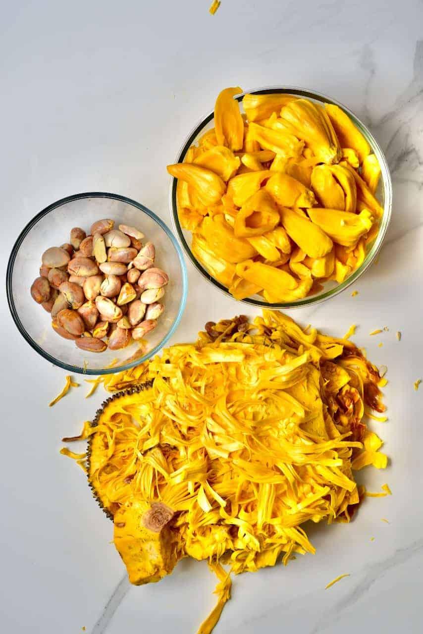 seperating jackfruit for a BBQ jackfruit recipe for pulled jackfruit