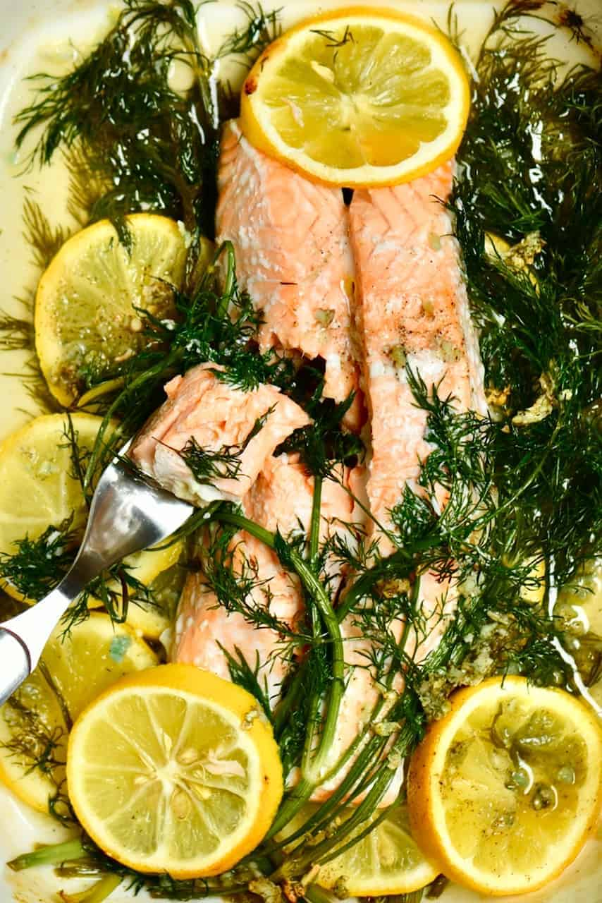 Baked salmon with dill and lemon