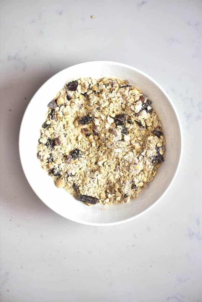 Mixed oats hazelnuts and dark chocolate