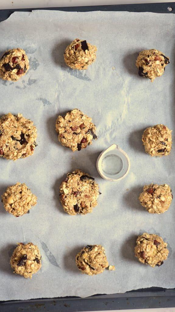 Pressed cookie balls