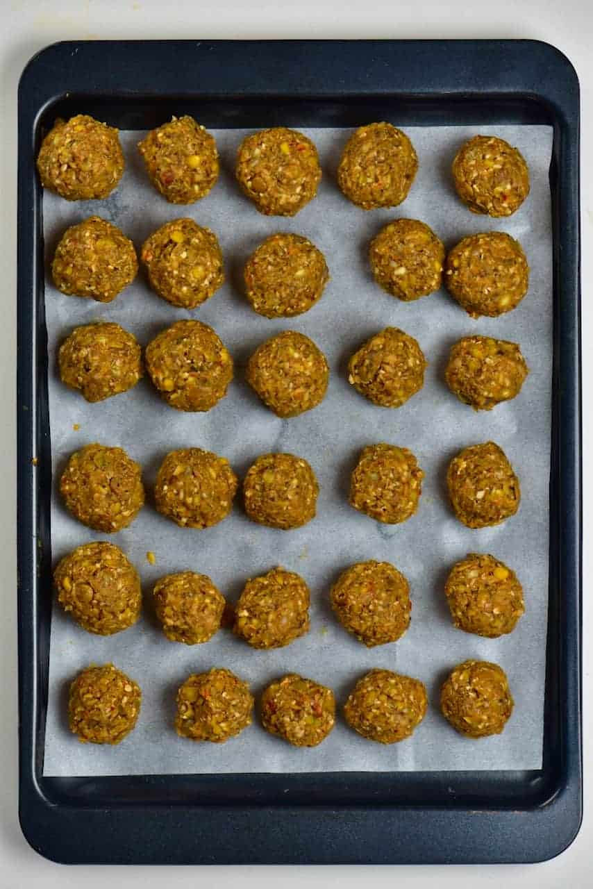 Lentil meatballs arranged in tray