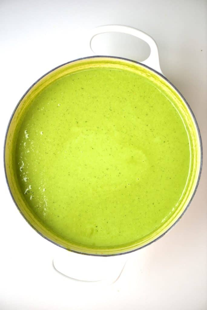Pea soup in a pot