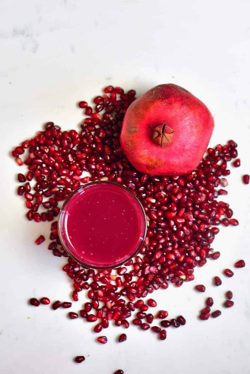 Pomegranate fruit juice and seeds