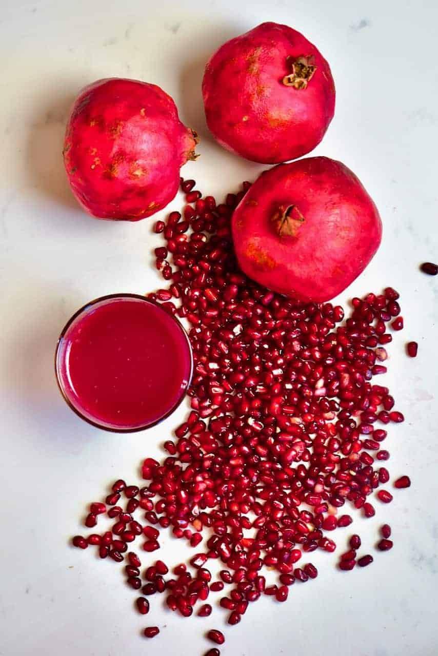 Pomegranate fruit juice and seeds