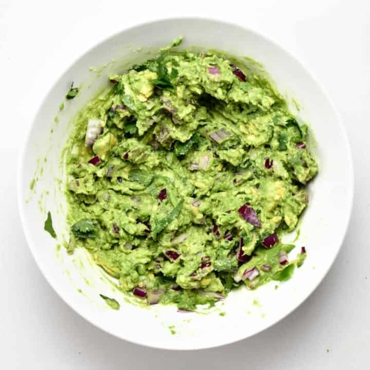 Simple Fresh Authentic Guacamole (Mexican)