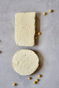Tofu made with coagulant and tofu made with lemon juice