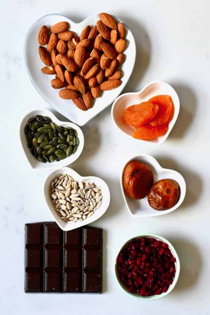 Ingredients for chocolate healthy bars