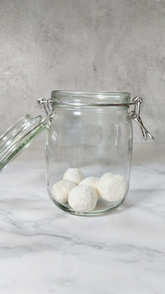 Filling a jar with labneh balls