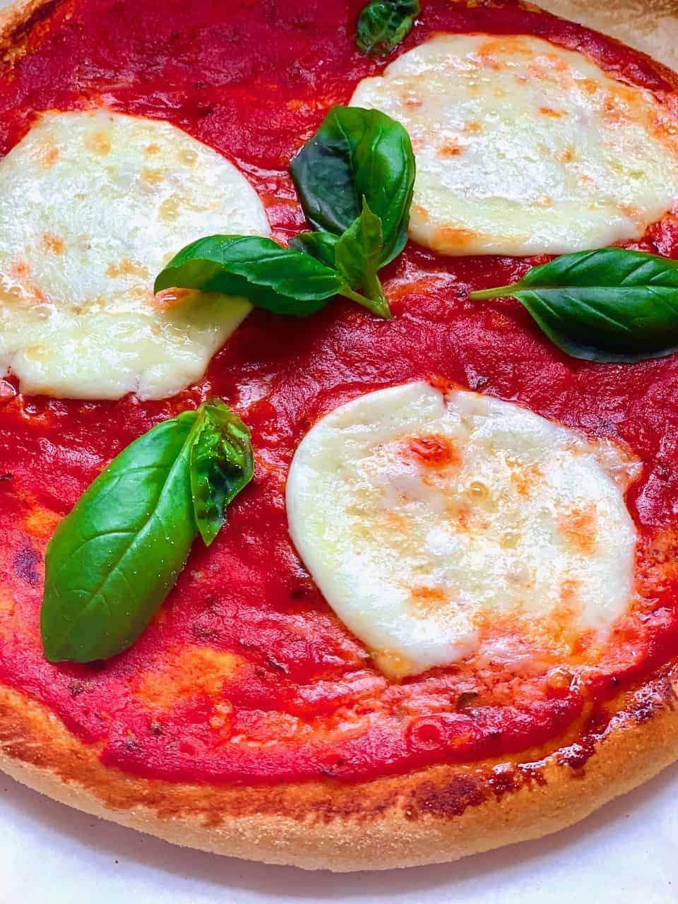 Tomato basil cheese Neapolitan pizza