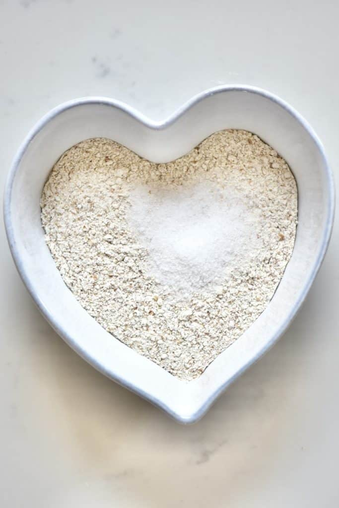 Mixing wholewheat flour and salt