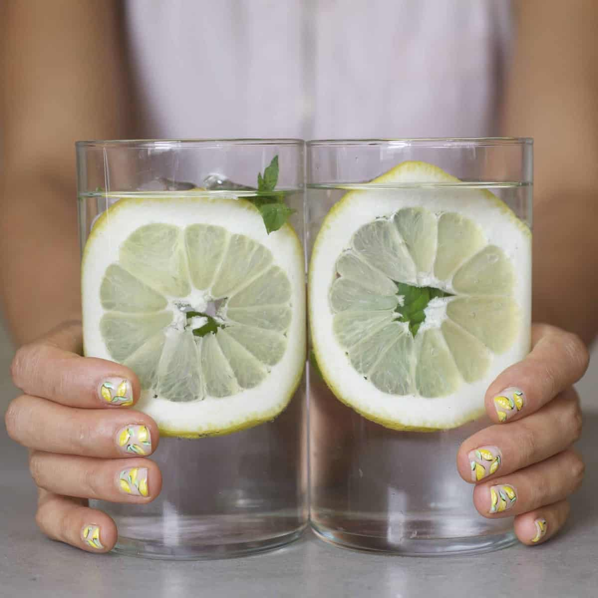 lemon water in glasses
