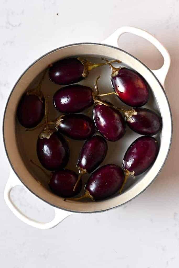 Boiling eggplants