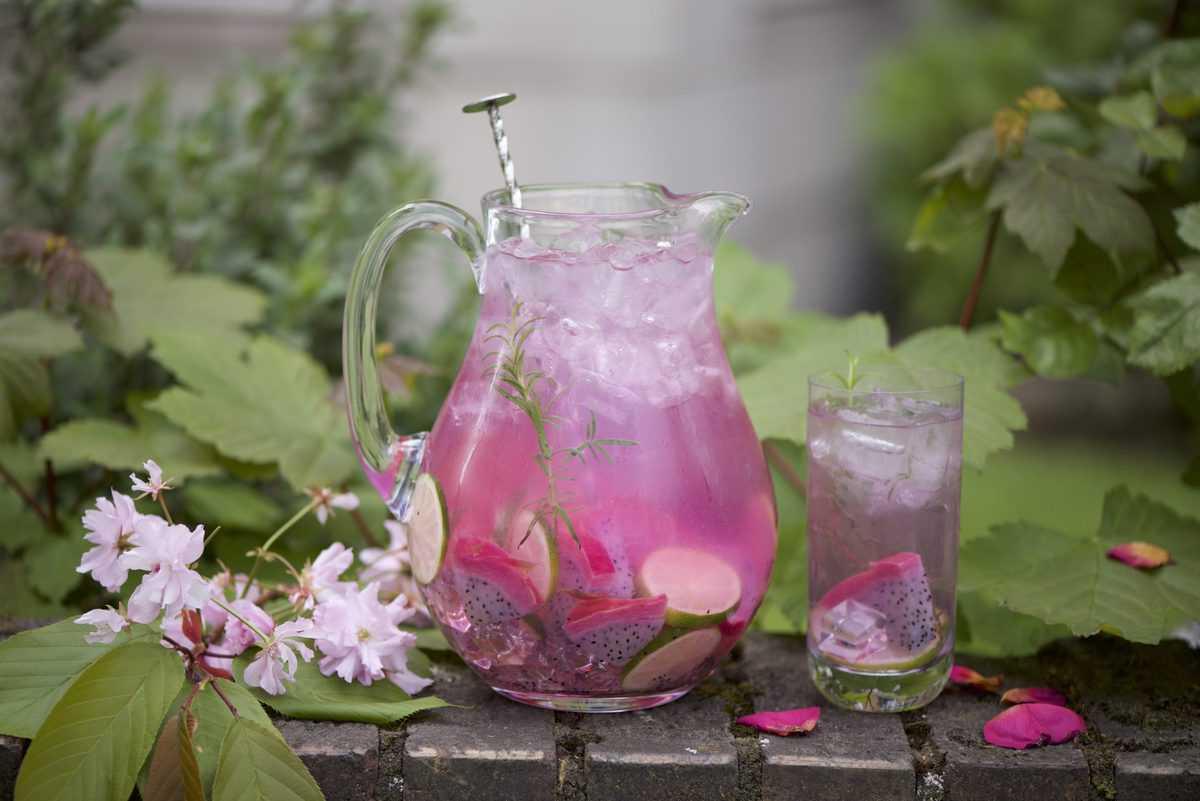 rose raspberry water