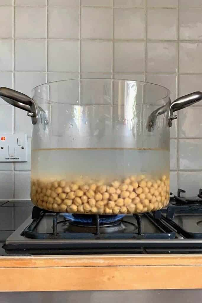 Cooking chickpeas