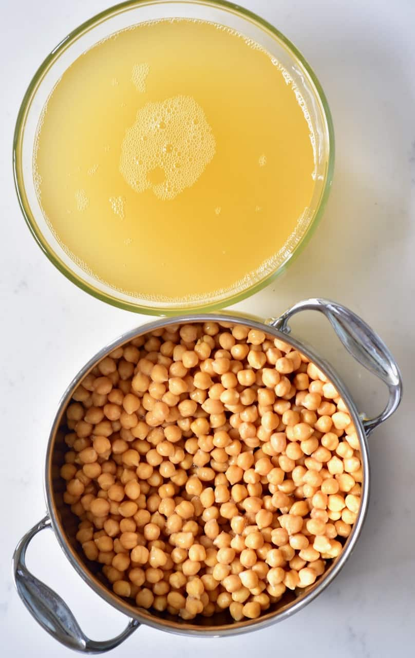 Cooked chickpeas and aquafaba