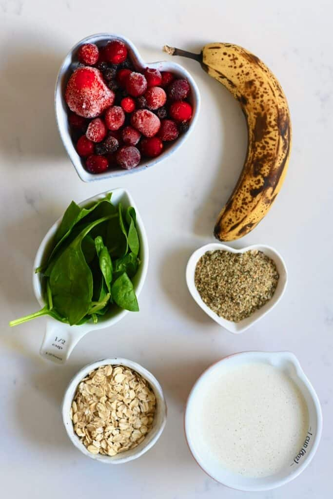 Berry smoothie ingredients