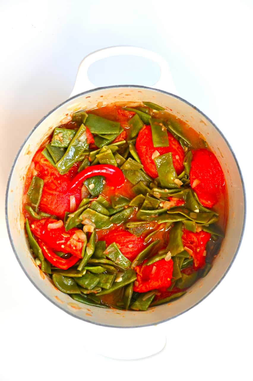 Green Bean stew in a pot
