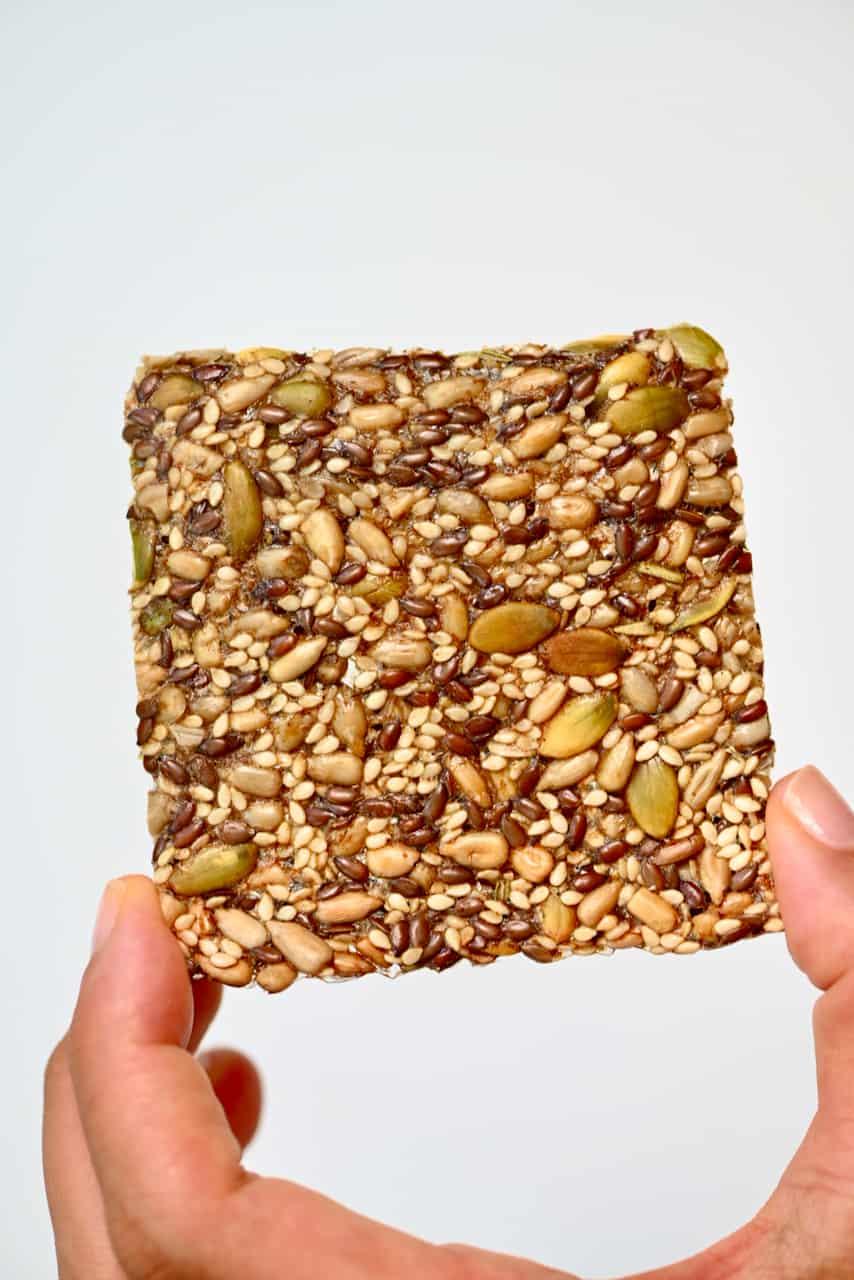 Seeded cracker
