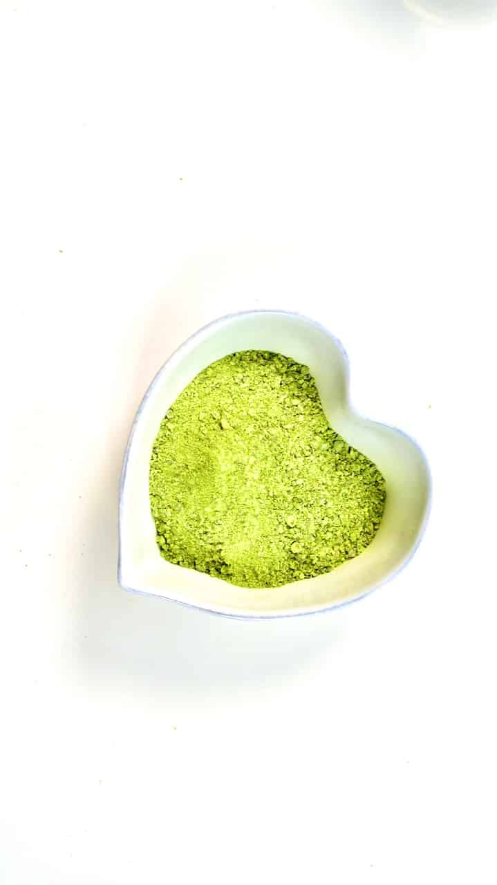 dehydrated green peas in heart shaped bowl