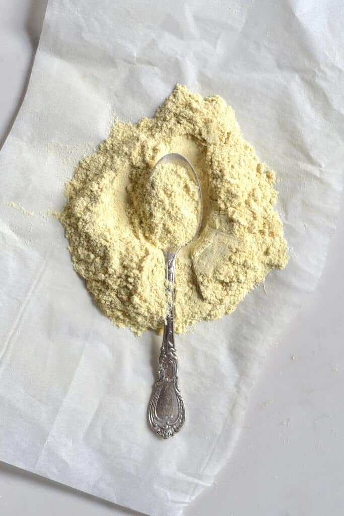 ginger powder on a spoon