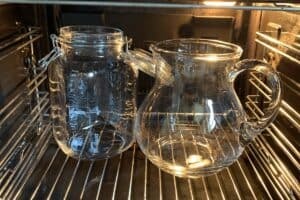 Sterilizing glass jars in the oven