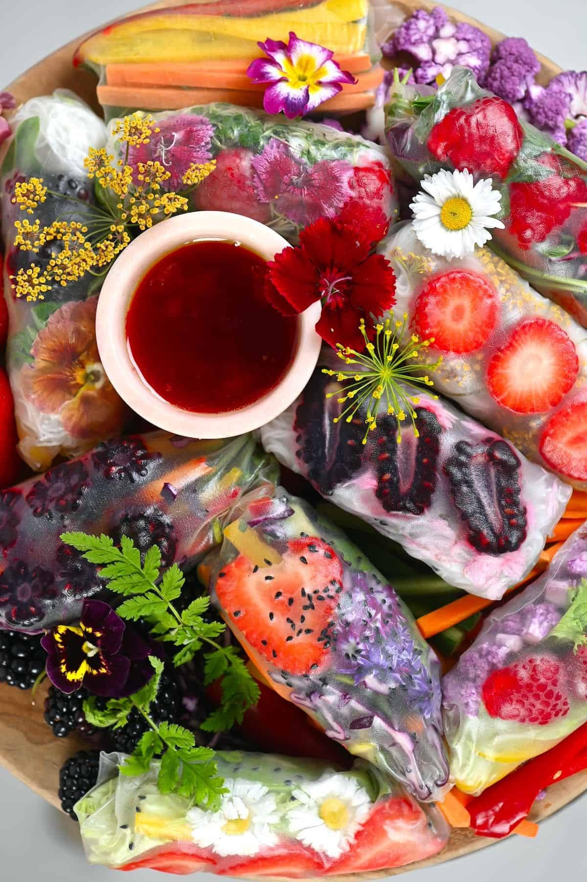 Rainbow Paper Summer Rolls with sauce